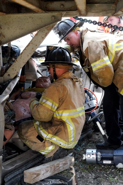 Miami-Dade Fire Rescue Big Rig Technician Training (19)