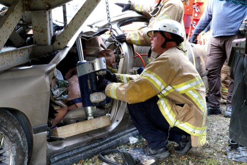 Miami-Dade Fire Rescue Big Rig Technician Training (20)