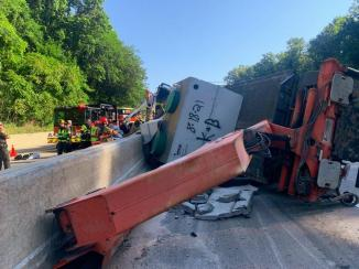 Large Vehicle with Heavy Paratech Hurst WCTRT Entrapment (2)
