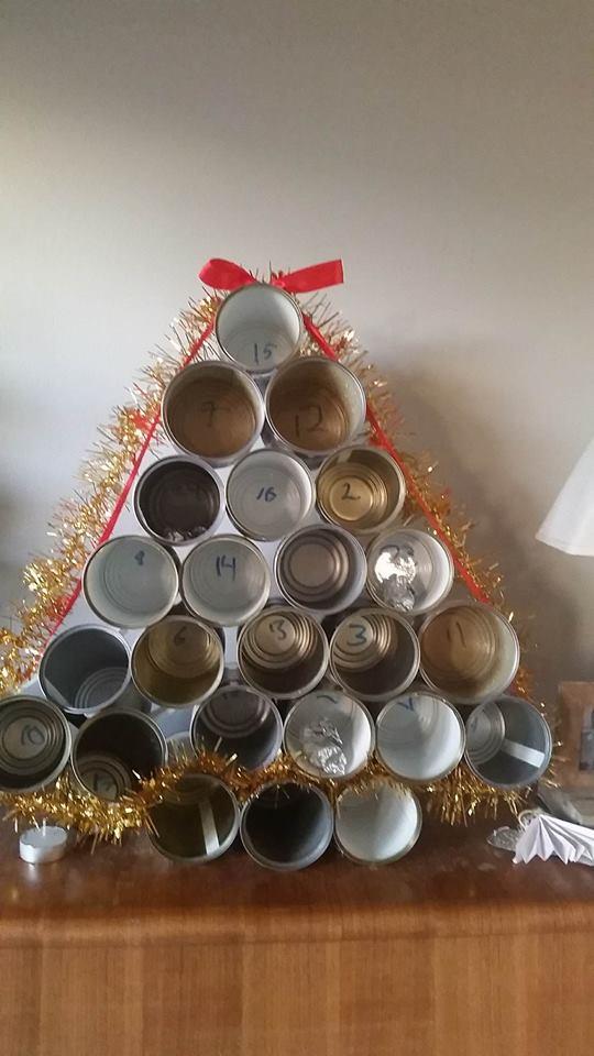 En av advenstkalenderne fra i fjor. Skal jeg virkelig lage 8 kalendere i år igjen? Kan jeg bryte denne tradisjonen?