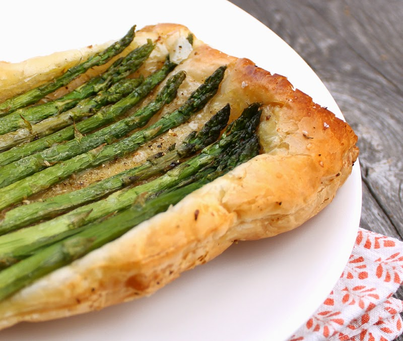 Asparges på butterdeig. Bilde er fra Veganmisjonen.com