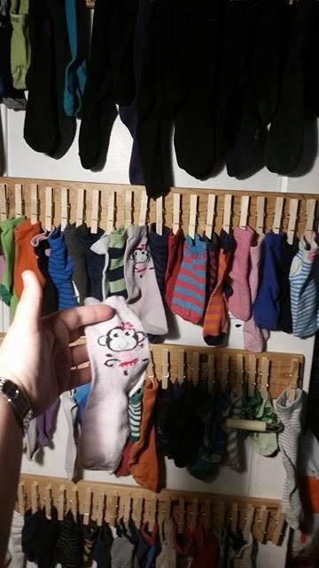 Skal vi se.... ja der ja, der var det en anne rosa sokk med ape på :)