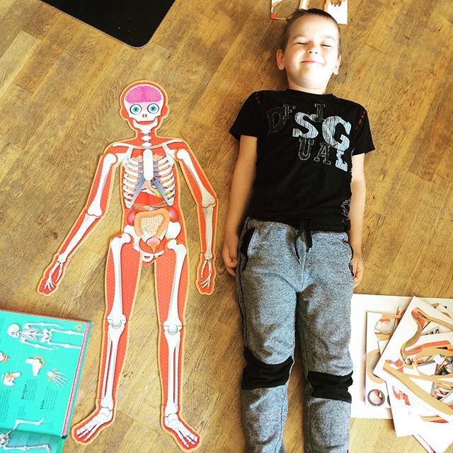 Mika lærer om kroppen