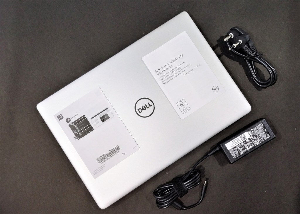 In box contents of Inspiron 5580