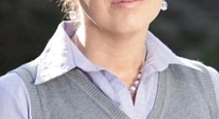 Sarah Colwill - Il mal di testa la fa parlare con accento Cinese