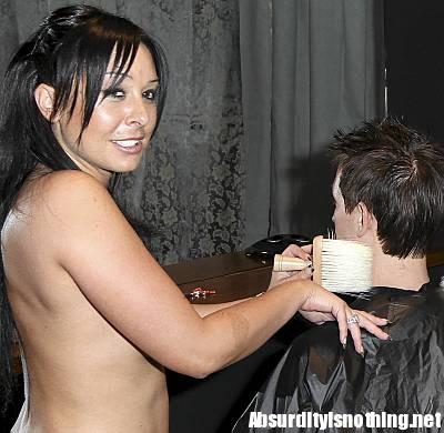 parrucchiere nude