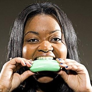 Tempestt Henderson – La ragazza che mangia le saponette