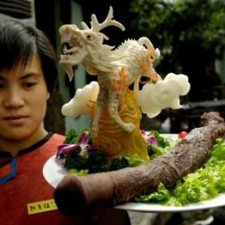 In Cina l'esclusivo ristorante che cucina peni di ogni genere!