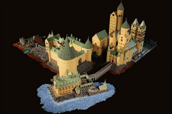 Costruisce il vero castello di Hogwarts con i LEGO (4)