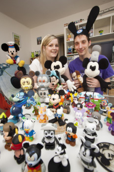 Coppia spende £50.000 in gadget Disney