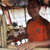 Cinese si porta una casa mobile sulle spalle (4)