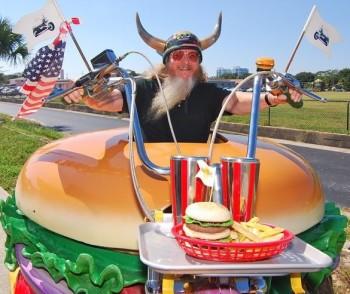 Harry, il più grande fan degli hamburger (4)