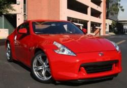 Decide di vendere un testicolo per comprarsi un'auto sportiva (2)