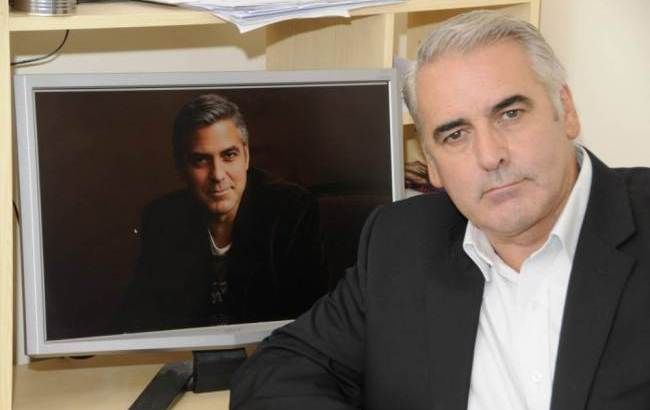 Offre £5,500 al sosia di Clooney per andare a letto con la moglie