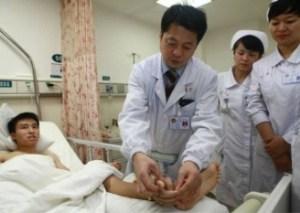 Salvata una mano mozzata dopo averla attaccata alla caviglia (2)