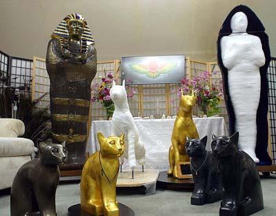 Società americana permette la mummificazione di uomini e animali (5)