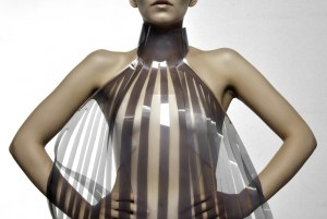 Intimacy 2.0, il vestito che diventa trasparente se la persona è eccitata (1)