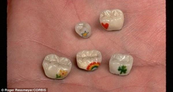 Tatuaggi sui denti (2)