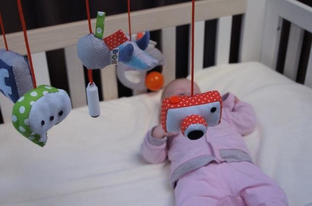 New Born Fame, giocattolo che pubblica i selfie dei bambini su Facebook