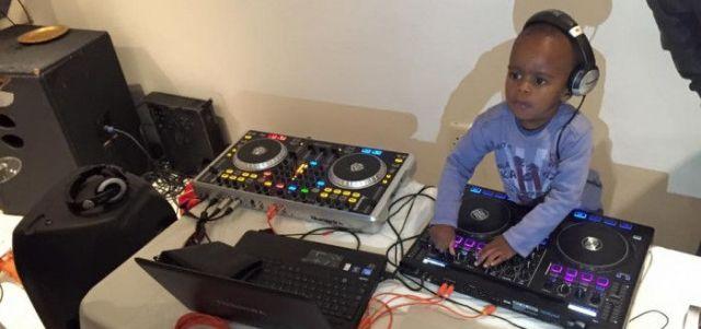 AJ, il DJ che sta spopolando in Sudafrica che ha ancora il pannolino (1)