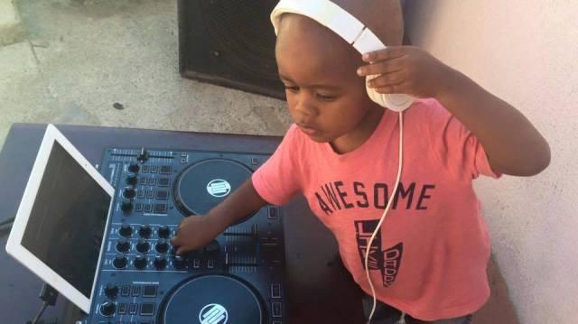 AJ, il DJ che sta spopolando in Sudafrica che ha ancora il pannolino (2)
