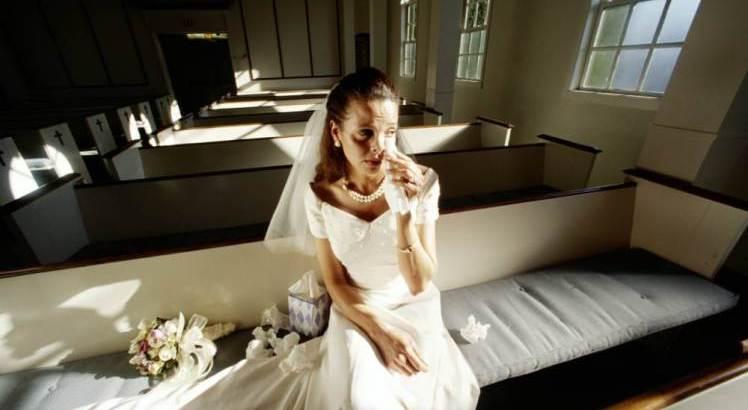 Algeria, fa causa alla moglie dopo averla vista senza trucco