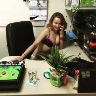 bielorussi lavorano nudi4