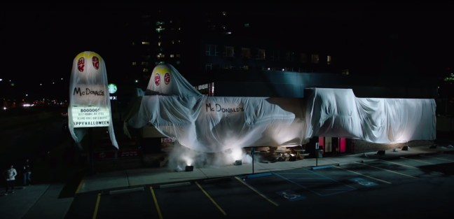 "Burger King si ""traveste"" da McDonald's per Halloween"