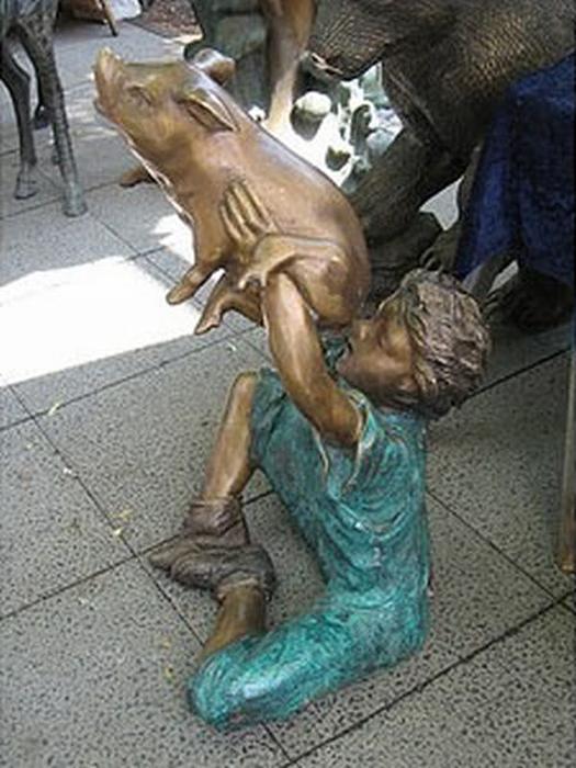 10 delle statue più assurde al mondo1