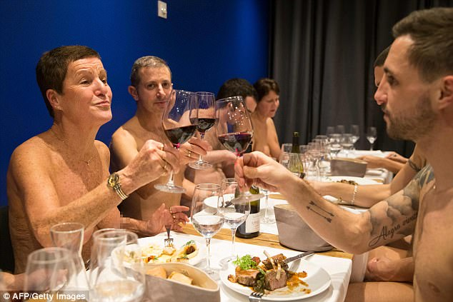 ristorante-nudisti