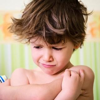 10 regole assurde imposte dai genitori ai figli