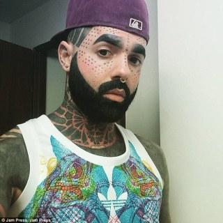corpo-tatuato-grigio-3
