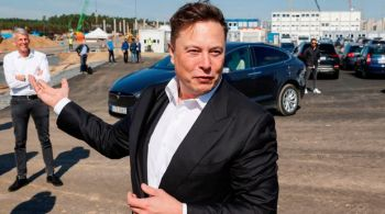 Elon Musk Tesla buys $1.5 billion worth of bitcoin