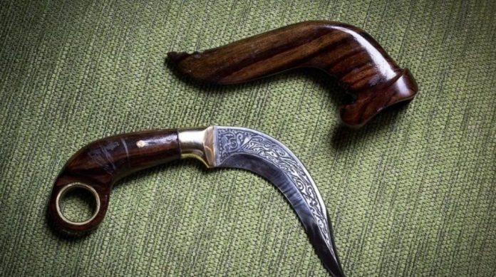 35 Senjata Tradisional Nama Asal Gambar Senjata 34 Provinsi Di Indonesia The Book