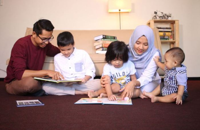 contoh teks eksposisi home schooling