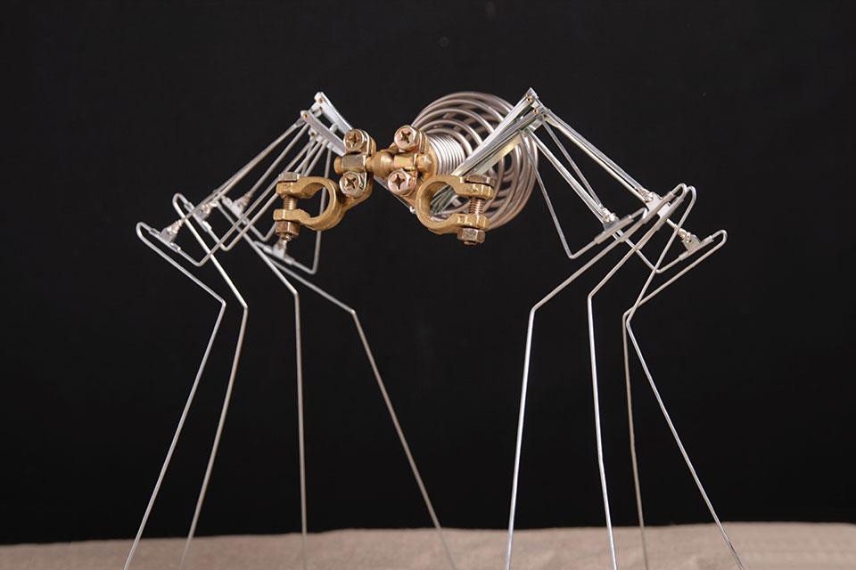 abys - da lyon -streetart sculpture