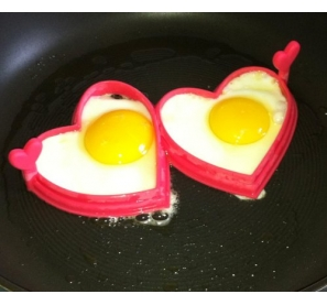 Moule pour 2 oeufs - Vos oeufs au plat en forme de coeur - Love Cooking