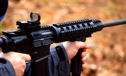 střelba zbraň