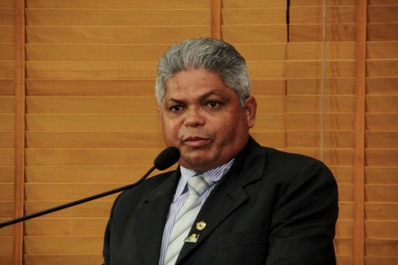 Aliado de Sebastião diz que terceirização precariza saúde