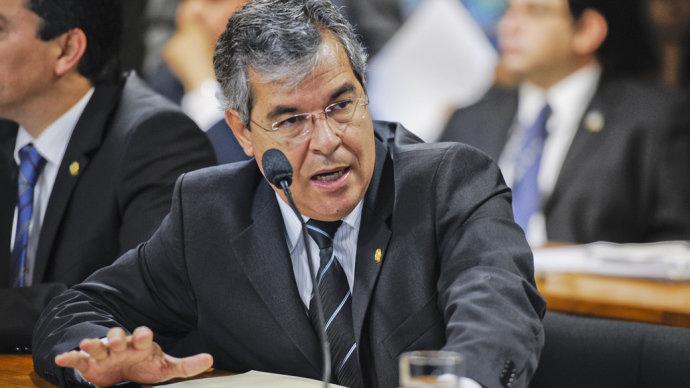 Marco Aurélio afasta Renan Calheiros, e Jorge Viana poderá assumir presidência do Senado