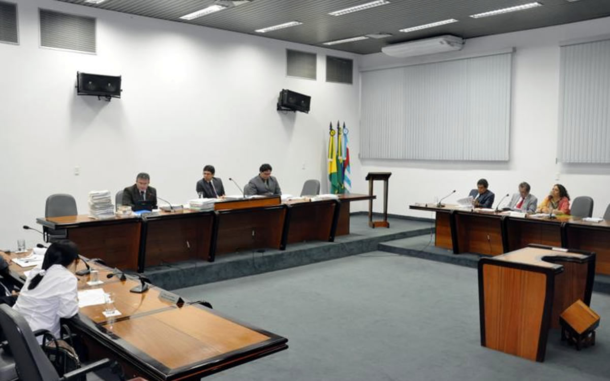 Conselheiro Malheiro pede vista e TCE não julga cautelar dos concursos e contratações estaduais