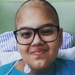 Adolescente que mobilizou internet morre de câncer no dia de carreata em sua homenagem