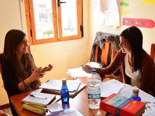Spanish teacher Irene in a customized private lesson