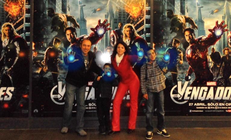 Carlos Diez y su familia en el estreno de los Vengadores, la genial pelicula del comic marvel