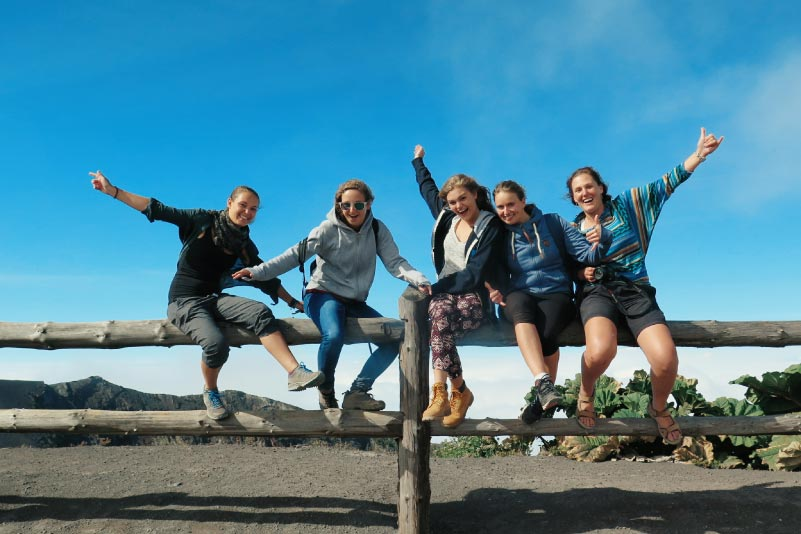 Students traveling in Costa Rica's National Parks