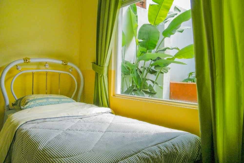 Accommodation: Student Residence Coronado room