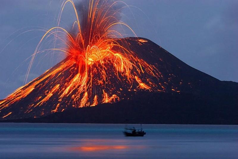 kliping bencana alam Letusan Gunung Berapi Krakatau