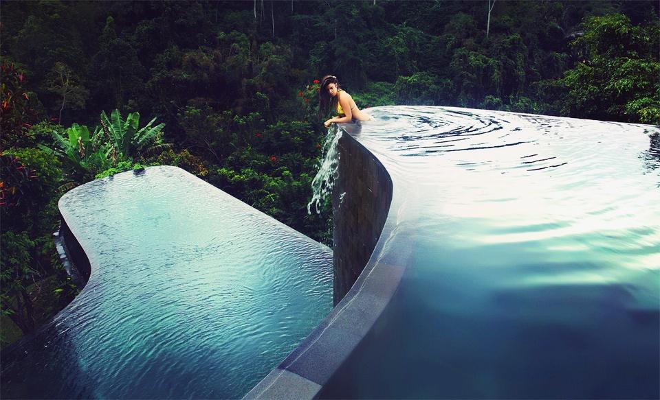 Kolam Renang Bali Hanging Garden
