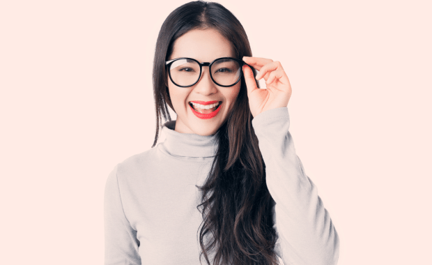 scholarships-people-glasses-2020