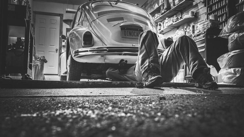 garage-mechanic